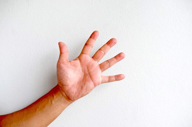 男性の平手