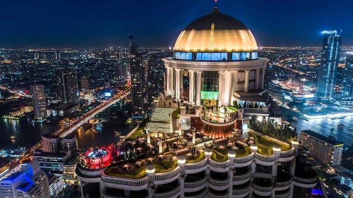 ルブア アット ステート タワーの屋上にあるシロッコ