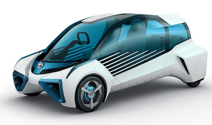 斜め前方から見た未来の燃料電池自動車トヨタ・FCV PLUS