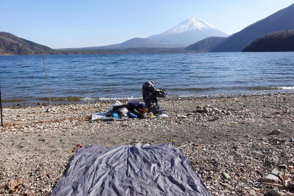 本栖湖の浩庵キャンプ場。ズームなし。