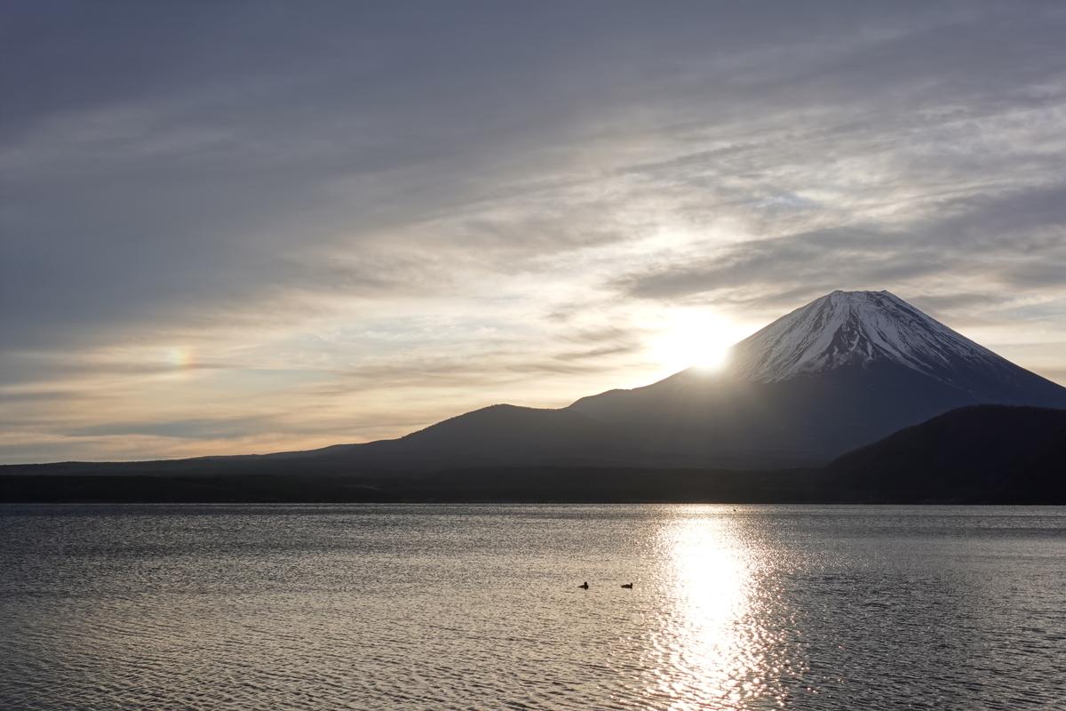 本栖湖の浩庵キャンプ場。富士山。1.8倍ズーム。