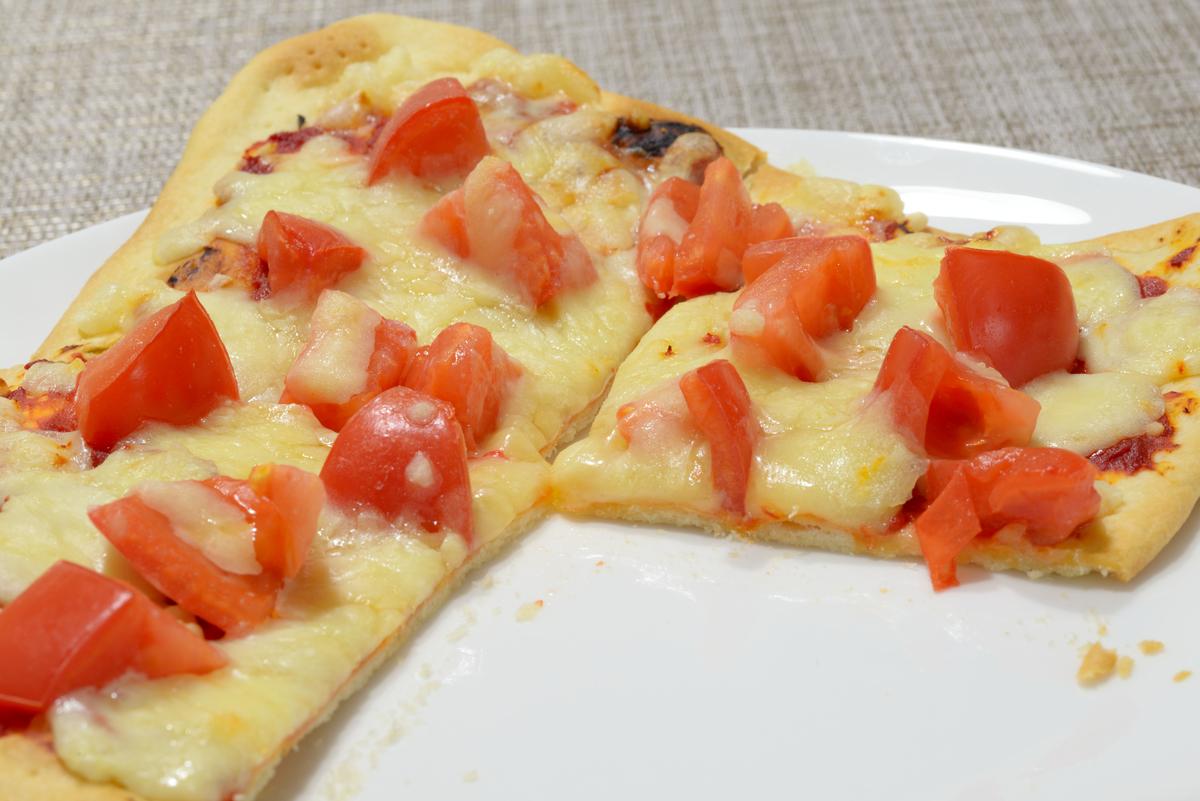 クリスピーフレッシュトマトピザ