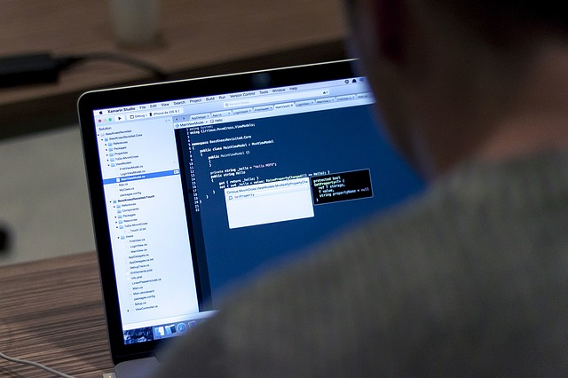 開業した個人事業主がパソコンを経費にする場合に多い悩み