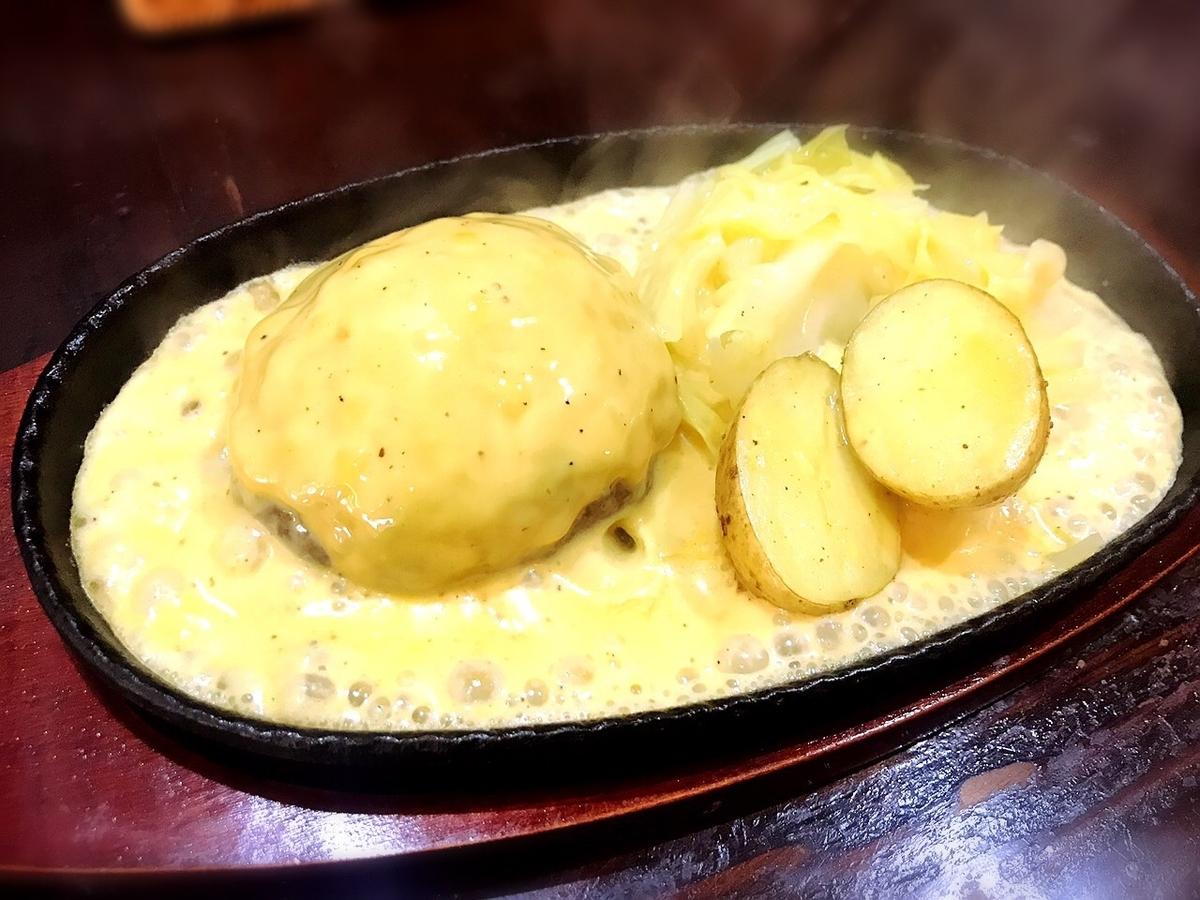 吉祥寺バーグのチーズハンバーグ2