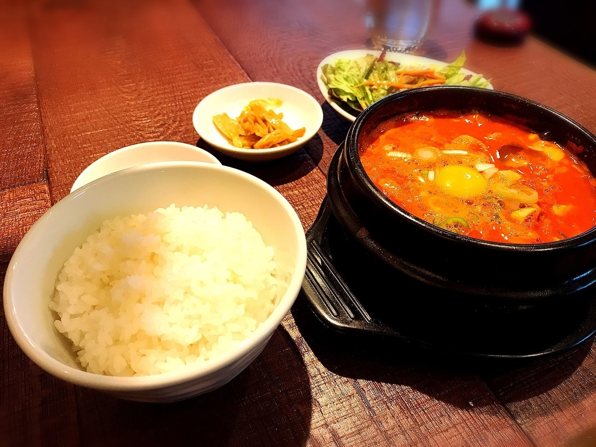 コラボ吉祥寺店の韓国料理1