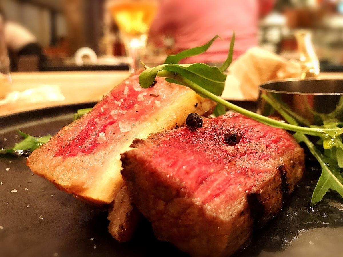 ザルーフトップバッチャーの熟成肉1
