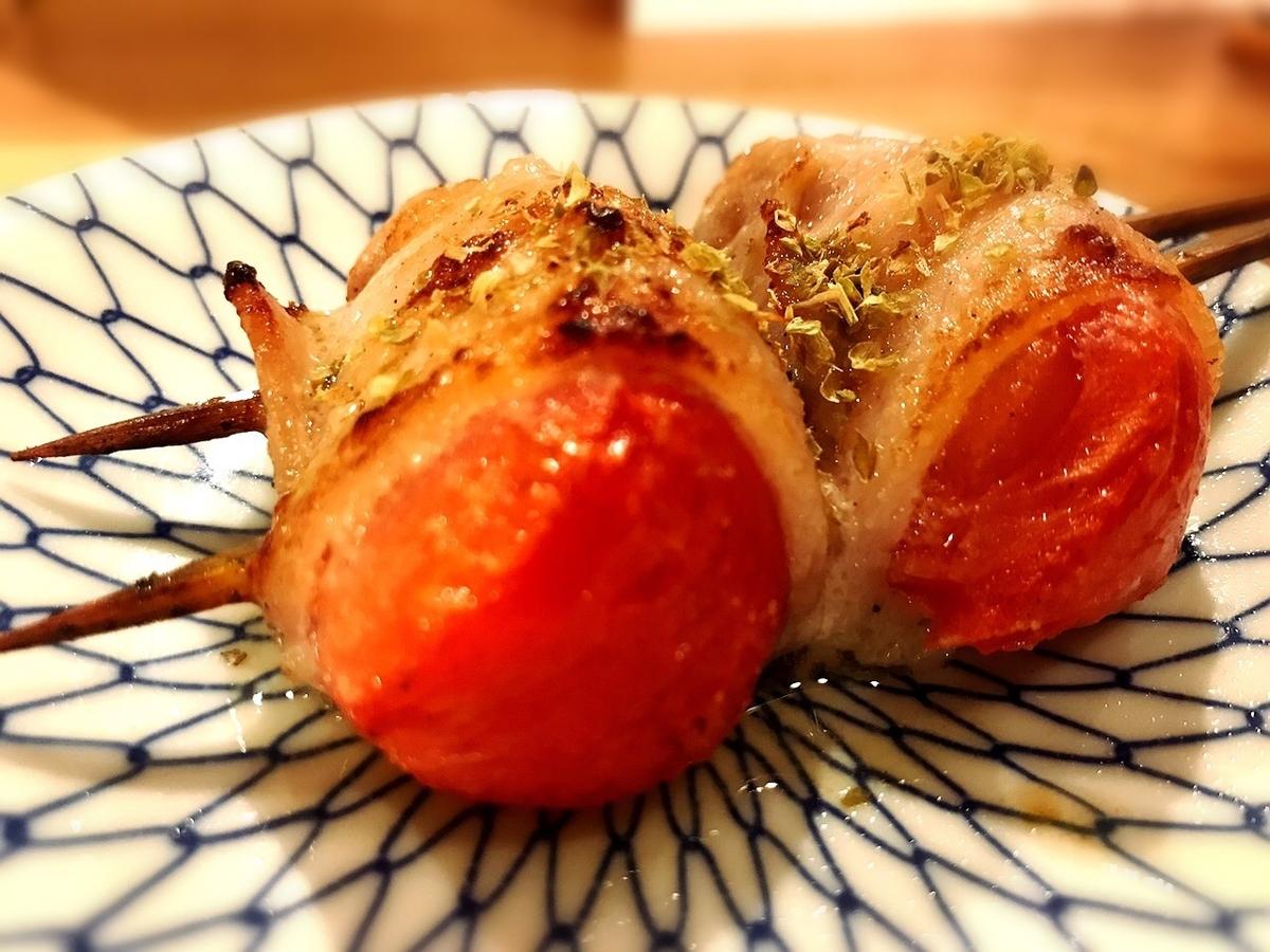 居酒屋ビールボーイのトマト串1