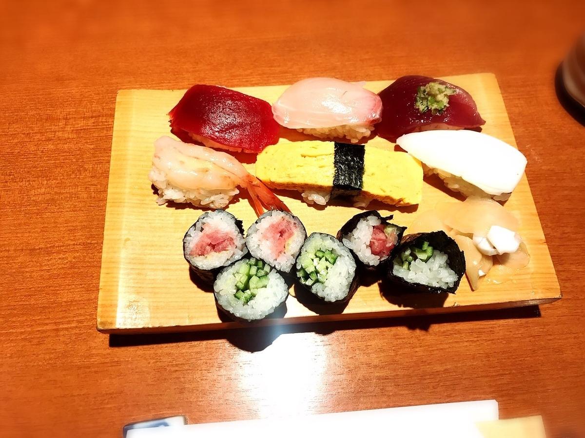 鮨寿兆のランチ寿司2