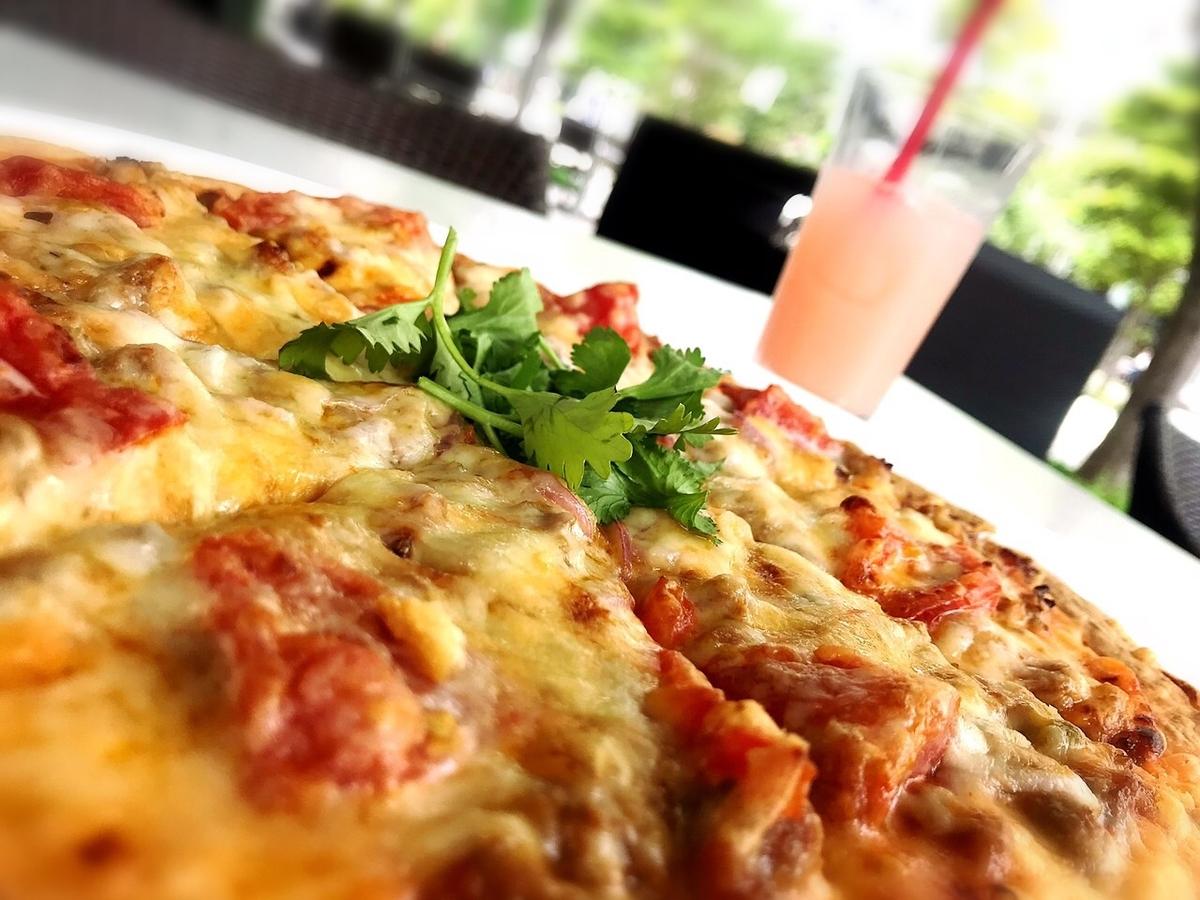 エムエムタイのガパオピザ1