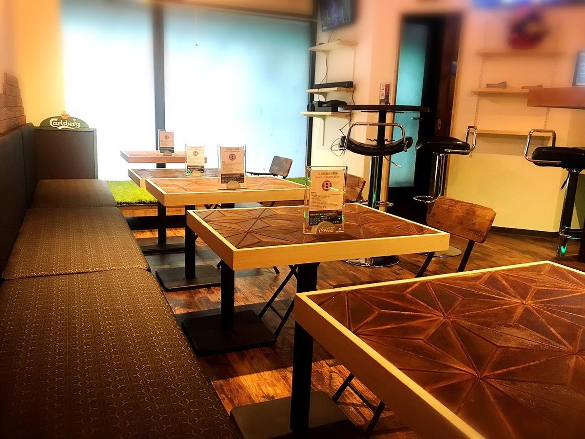 カフェ&バー ディズールの内観2