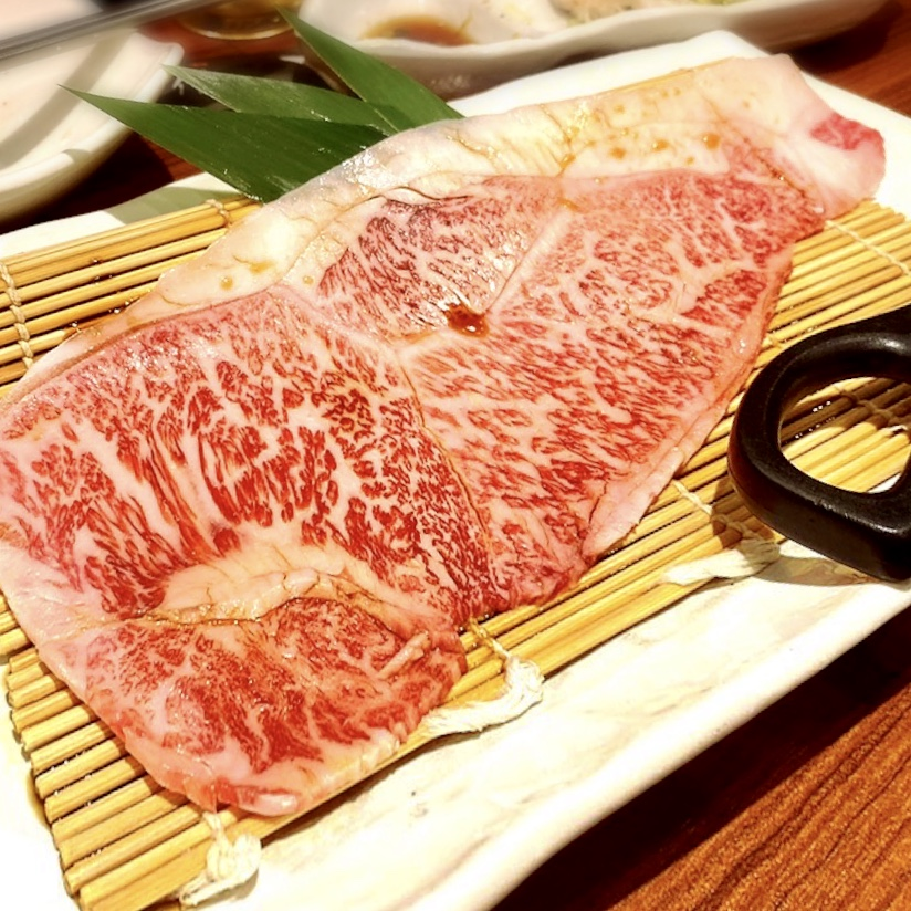"""「肉小僧 匠」でいただいた「極上肉小僧焼すき」""""1500円(税別)"""