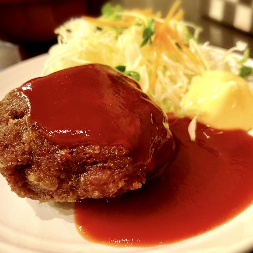 """「カヤシマ」でいただいた「ナポリタンとハンバーグ」""""950円(税別)2(2019年11月22日更新)"""