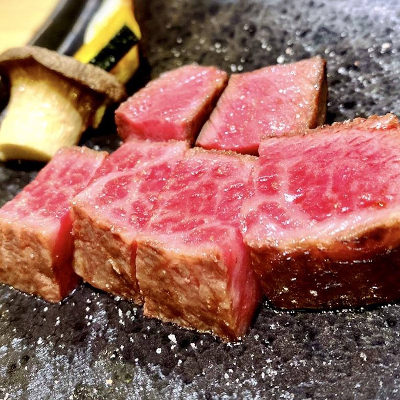 「お肉屋 けいすけ 三男坊」はデートから接待まで多岐に渡って利用できる素敵な焼肉屋でした