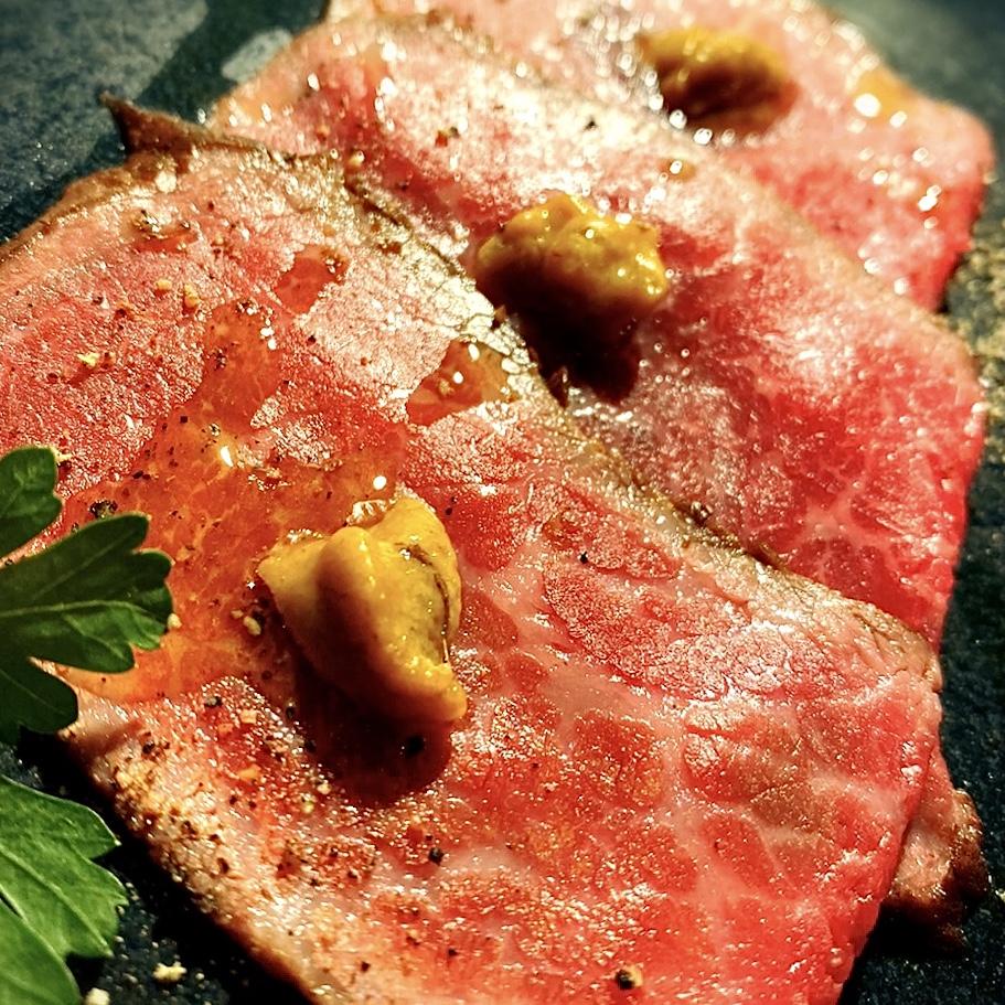 """「鉄板マフィア uni&beef」でいただいた「前菜&A5ランクお肉のコース」""""2500円(税別)"""
