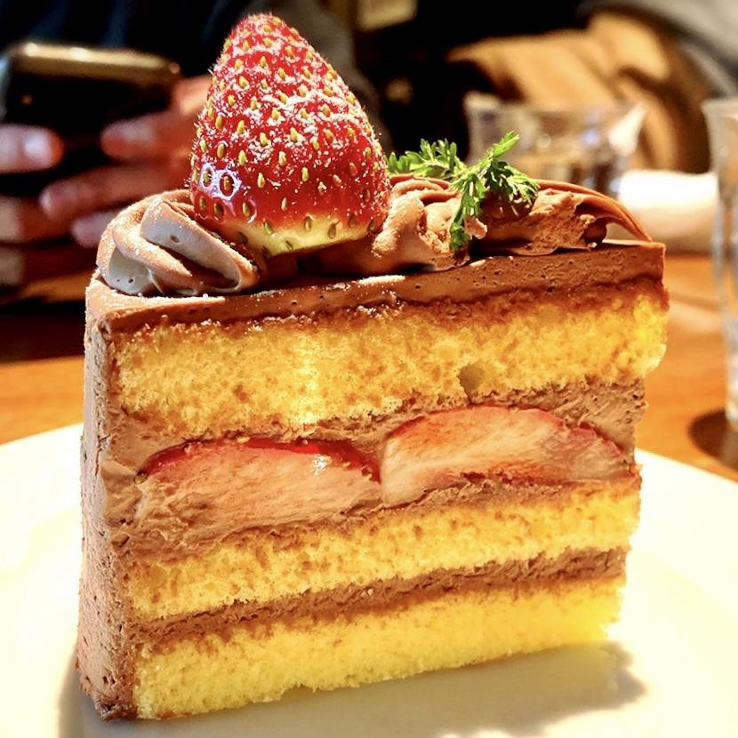"""「マンシーズ トウキョウ」でいただいた「ショコラショートケーキ」""""600円(税別)"""