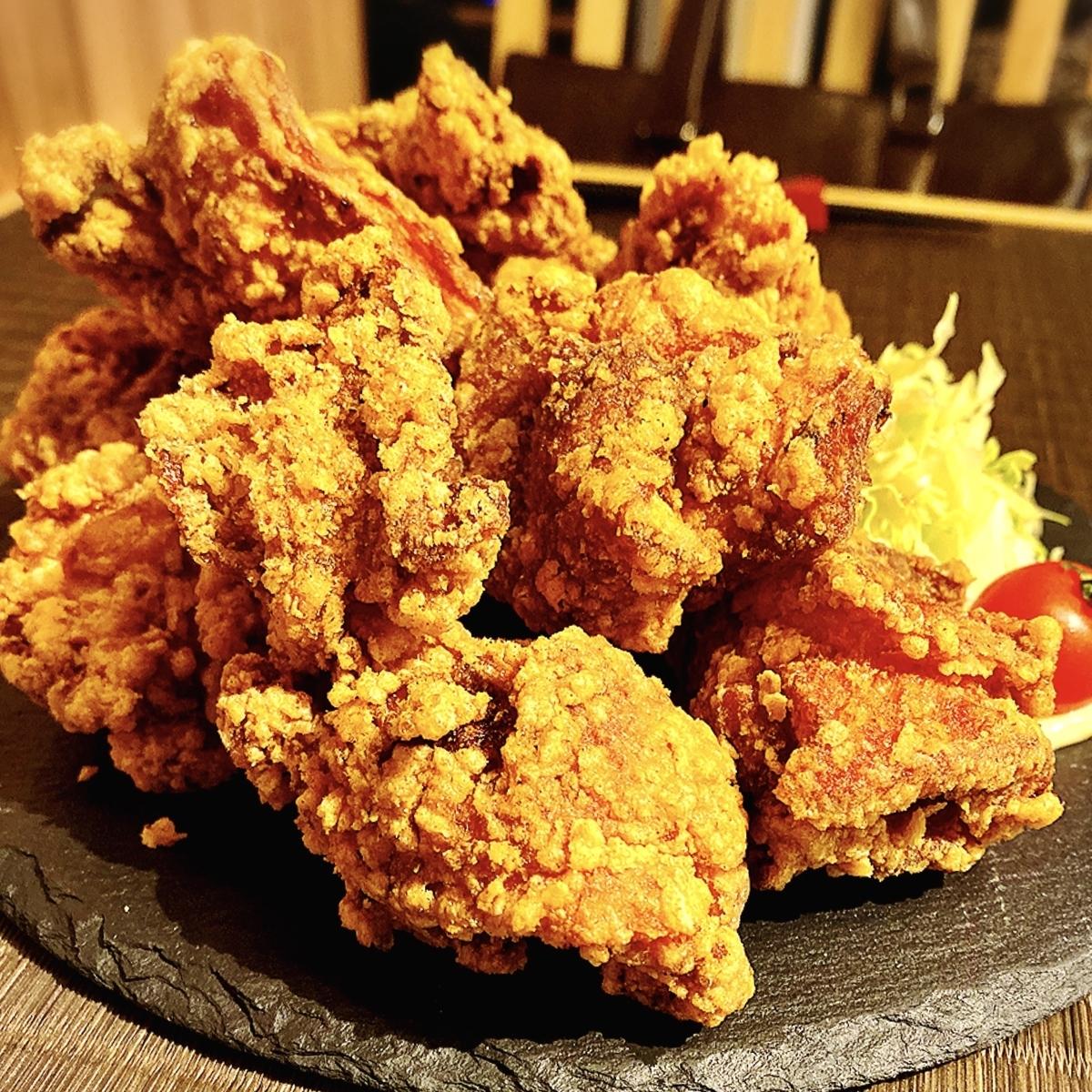 「燻製のおはなし2nd」は肉ロングユッケ寿司だけでなく唐揚げ定食も魅力的な居酒屋でした