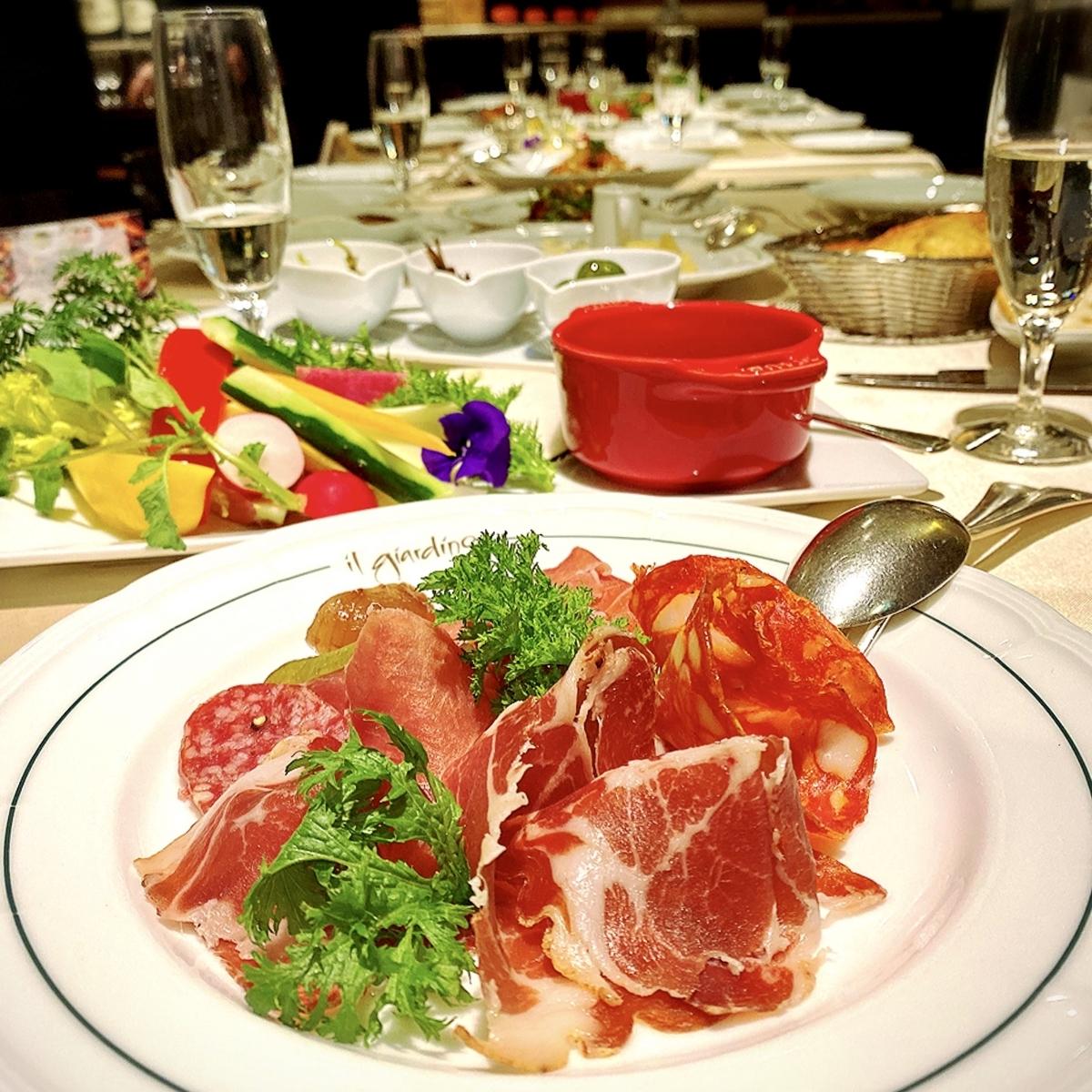 """【元町中華街】横浜唯一のクラシックホテル""""ホテルニューグランド横浜""""内にあるおしゃれレストラン"""