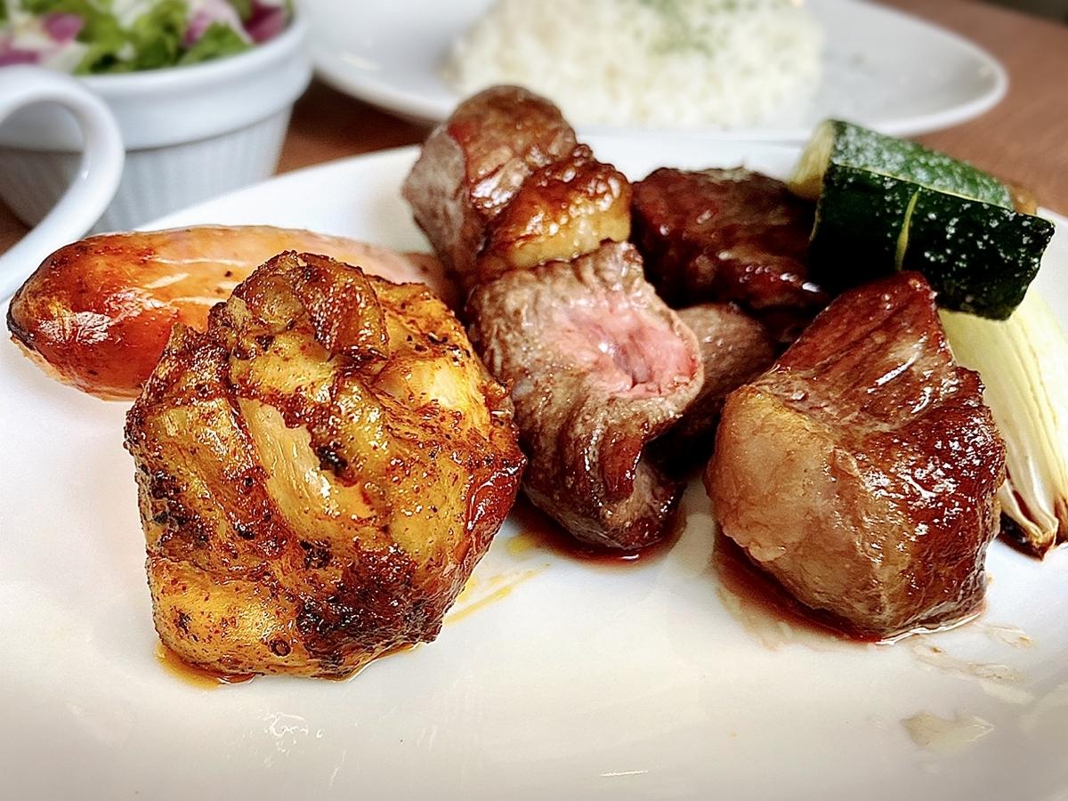 「シェラスコレストランALEGRIA 吉祥寺」はがっつりお肉を堪能したい方におすすめしたいお店