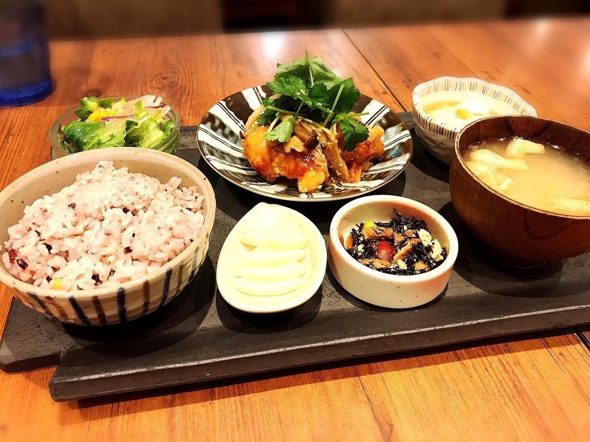 吉祥寺でおすすめの夜カフェ1 kawara CAFE & KITCHEN 吉祥寺
