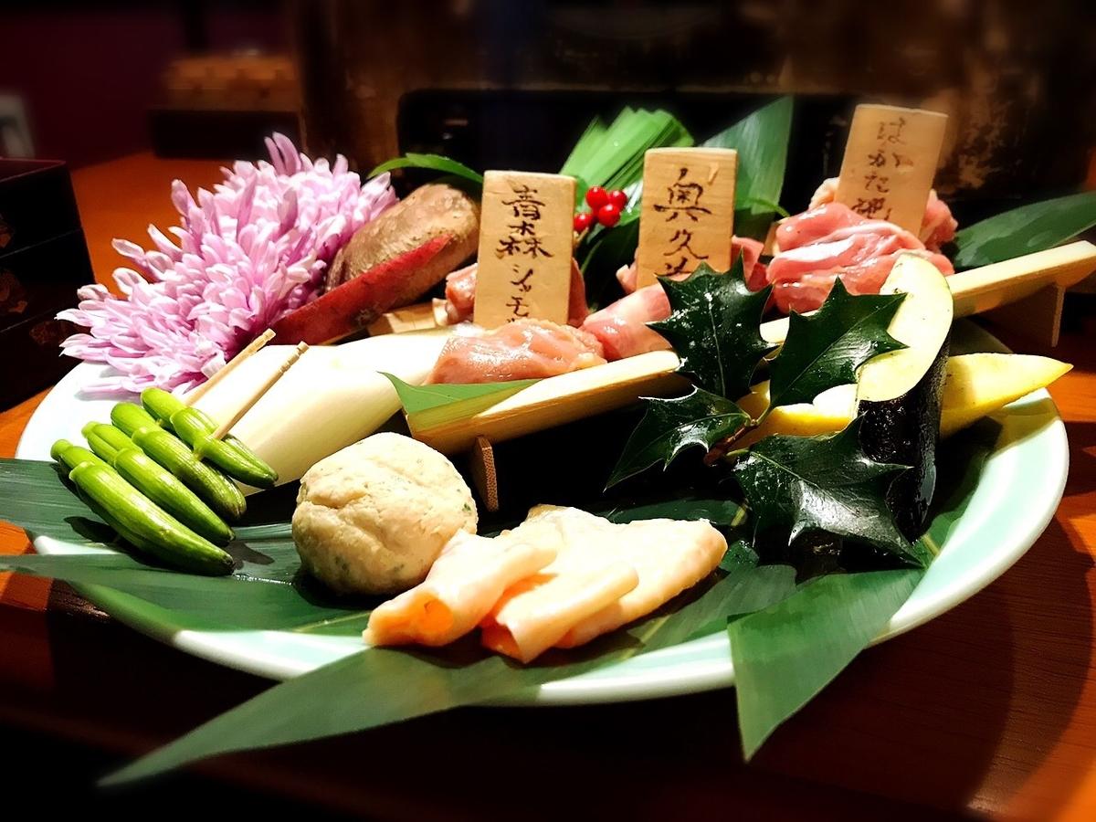 """「鶏ノ屋」でいただいた「軍鶏3種と野菜盛り合わせ」""""3480円(税別)"""