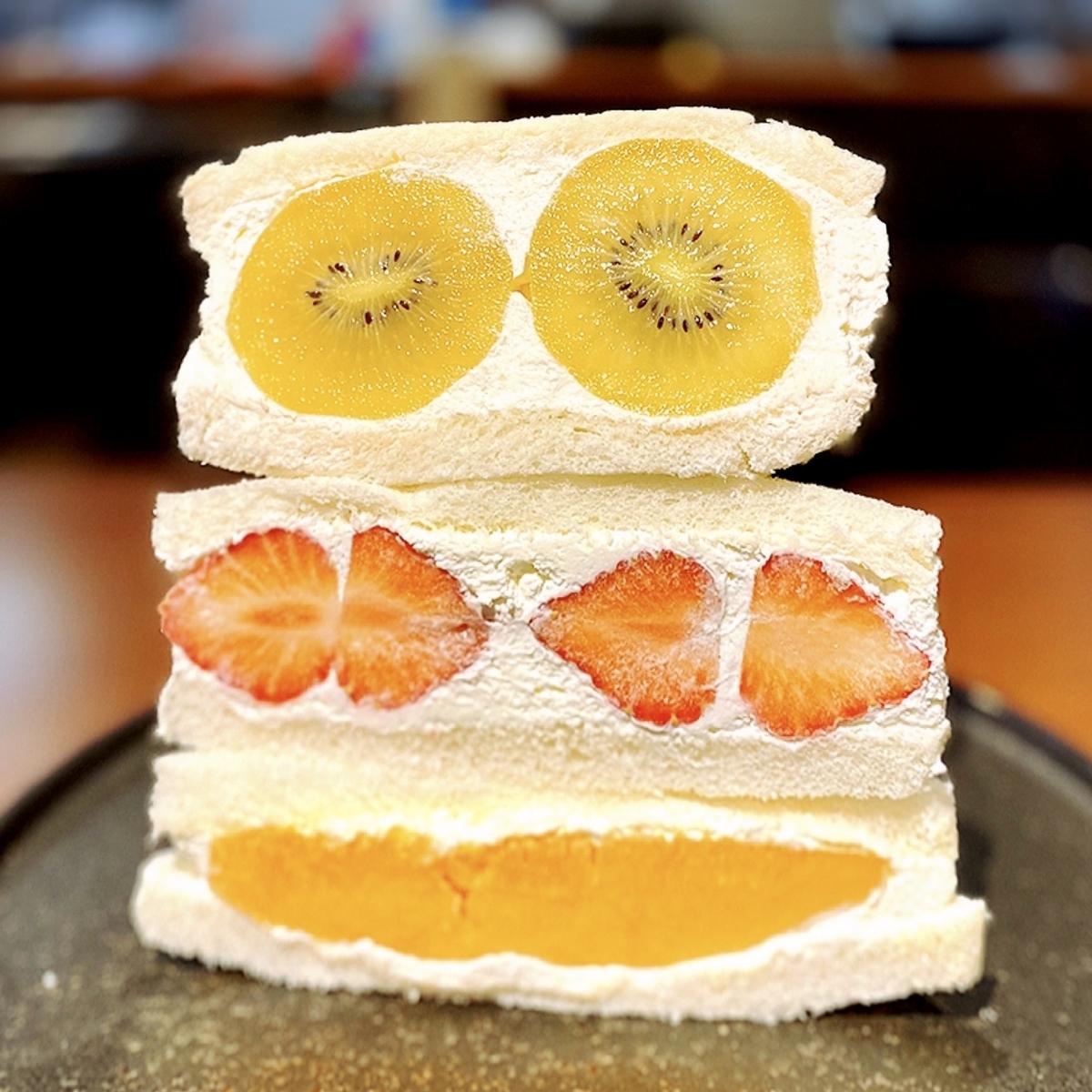 「下北果実」はひとりカフェからカフェデート、はたまたテイクアウトまでおすすめできるフルーツカフェ