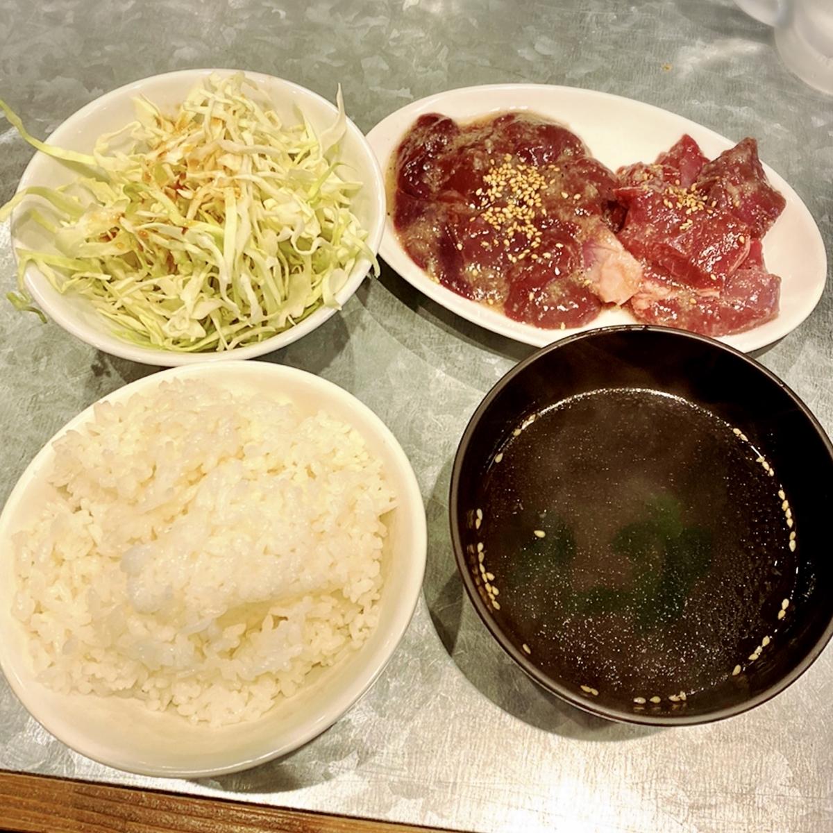 """「今日、豚の気分なんです」でいただいた「焼肉食べ放題」""""980円(税別)"""