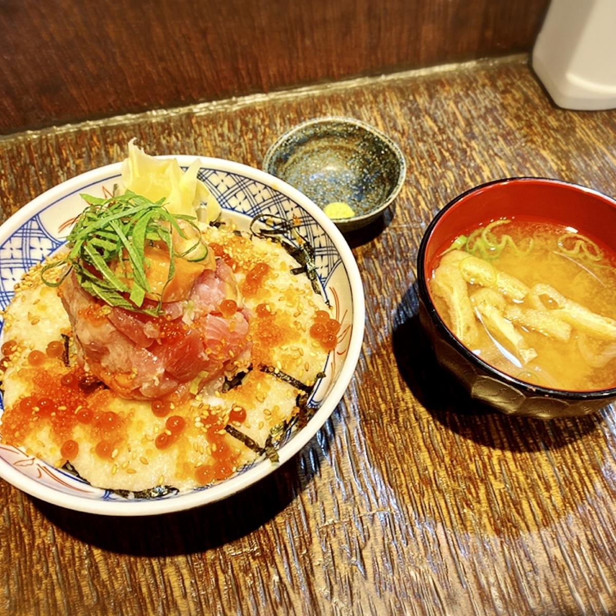 「赤坂 魚ぴー」はランチ時の美味しい海鮮丼がコスパ良くいただけるお店でした