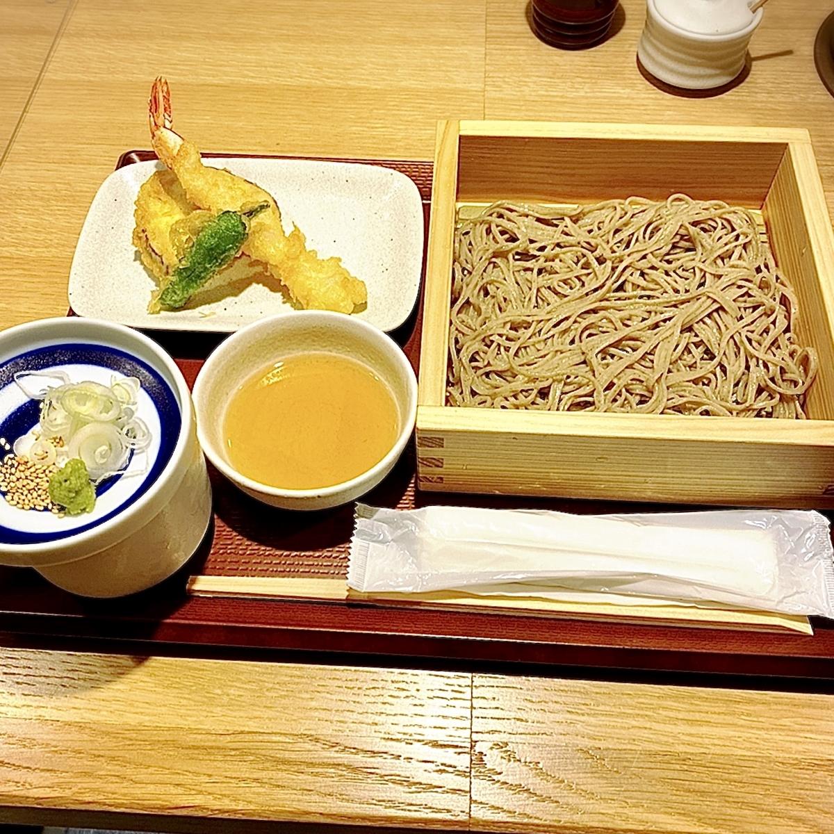 「助六そば ぬる燗佐藤」でいただいた「蕎麦と天ぷら」(※試食)
