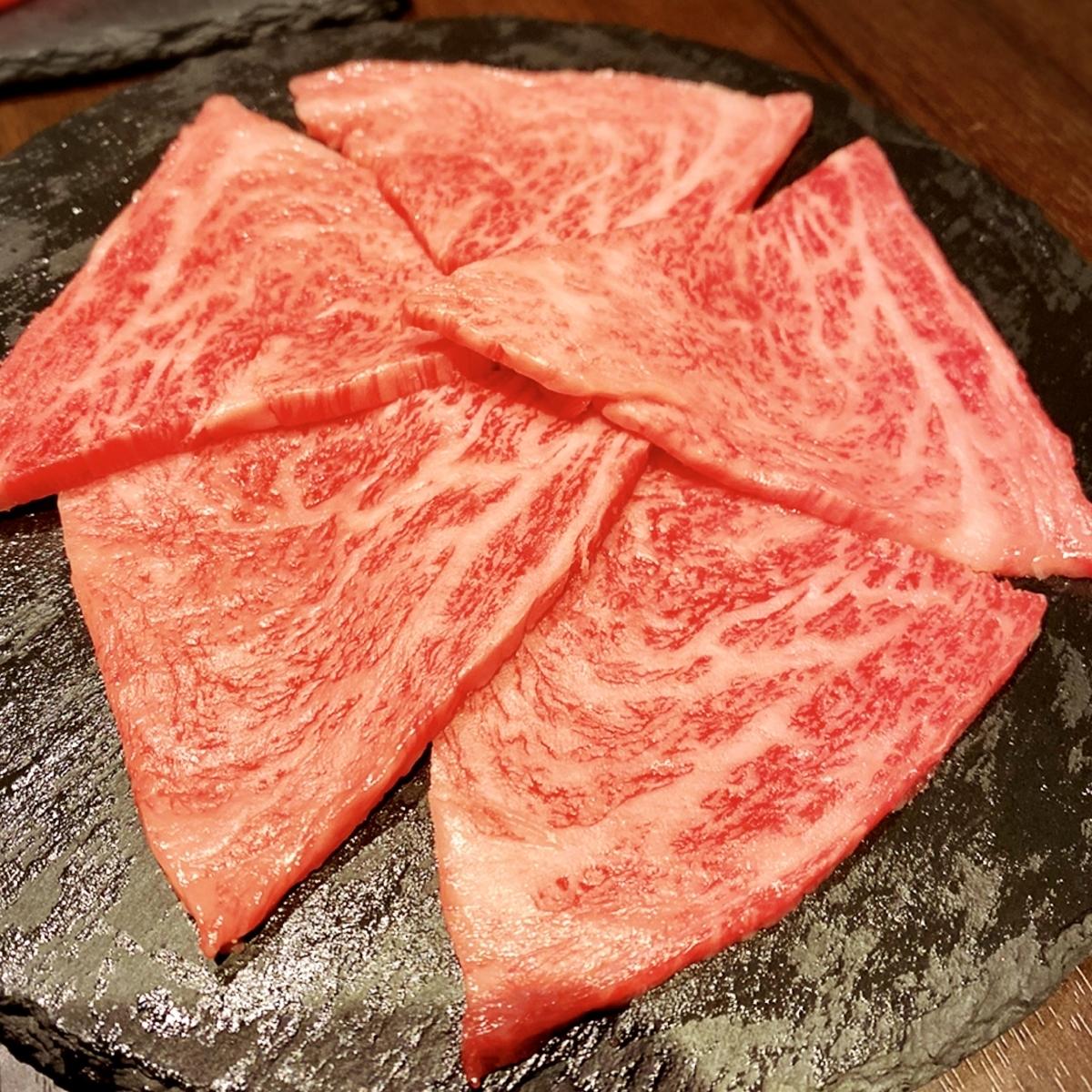 「焼肉じゅん」は生肉好きや焼肉デートしたい方にとてもおすすめの焼肉屋でした