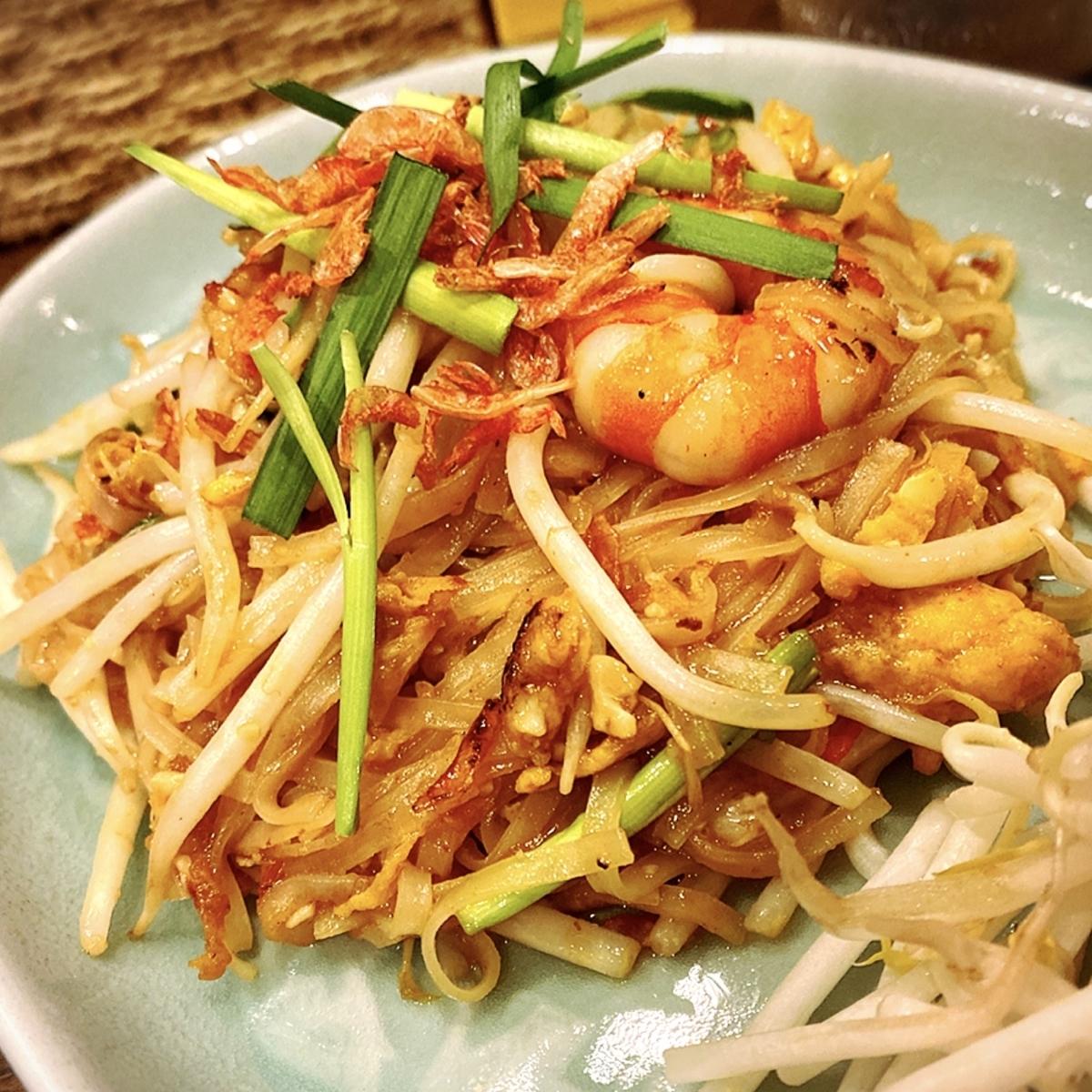 ランチはスープに春巻き付き!パッタイが美味い吉祥寺の人気タイ料理屋