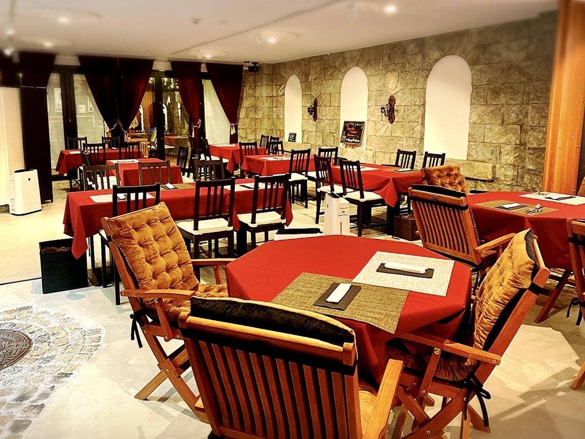 レストラン&ギャラリー ソラ(SOLA)の店内雰囲気
