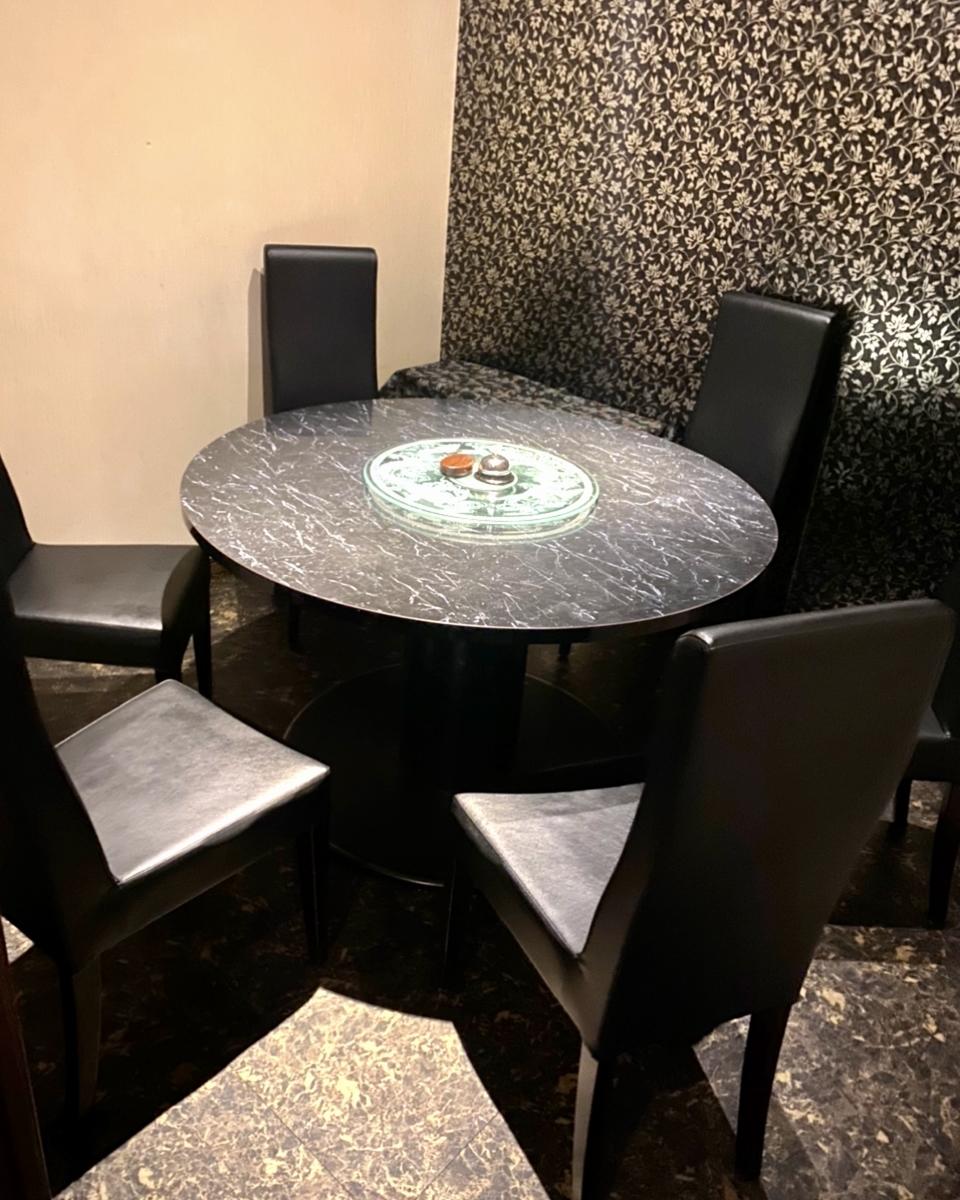 中野「鉄板中華 仁」の個室席