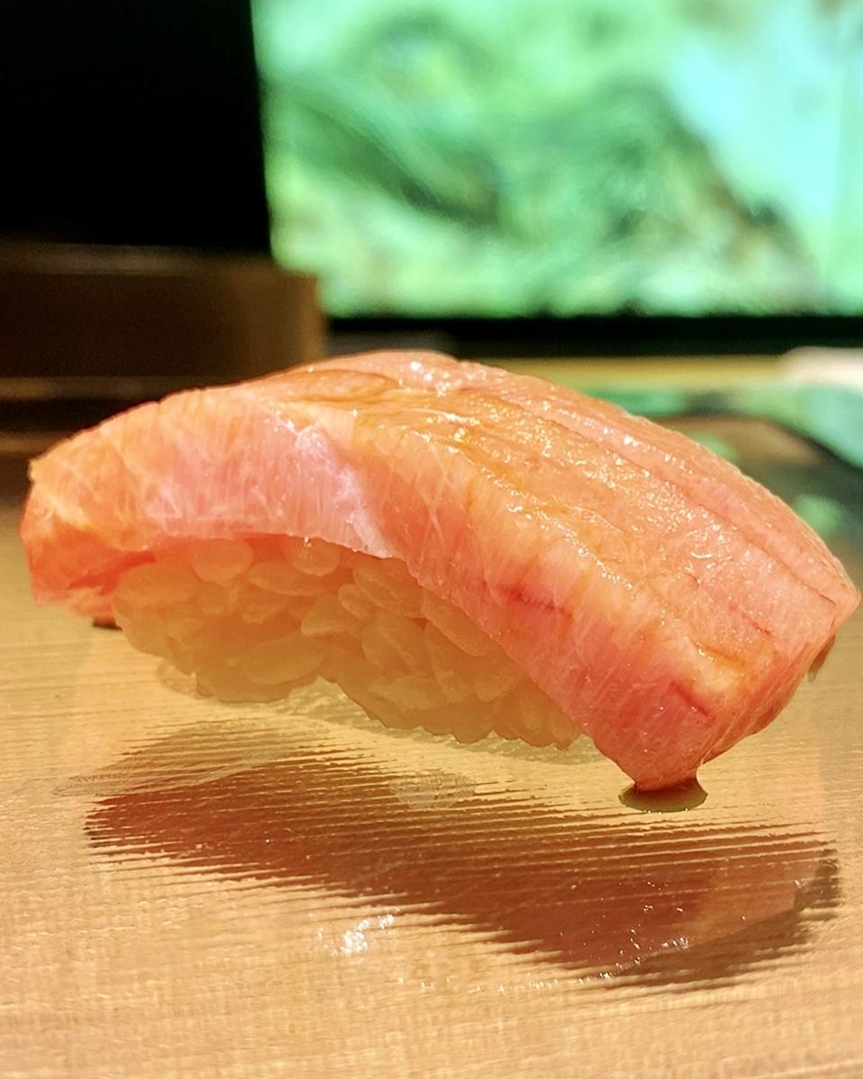 「渋谷 鮨 sublime」でいただいたお寿司1