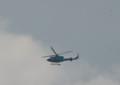 2017.5.24/道警の救難ヘリがゆっくり旋回する。ばーばは手を振っ
