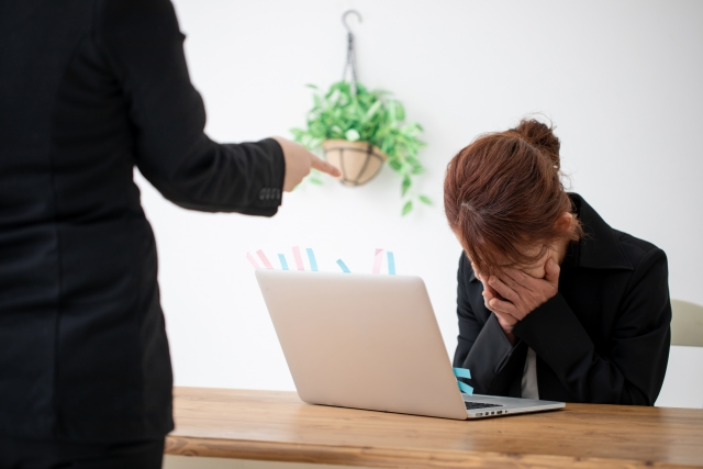 仕事疲れ、30代、上司に怒られる、転職