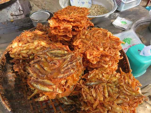 ミングォンで買い食い