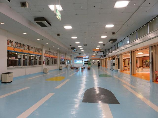 三国競艇場1階フロア
