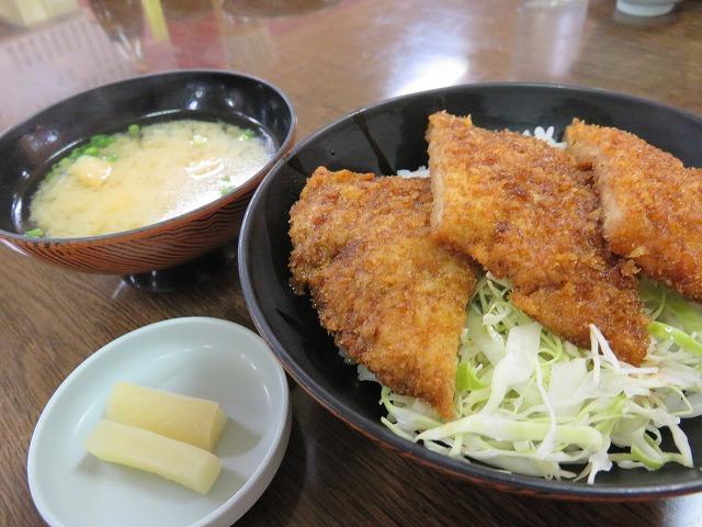三国競艇場のソースカツ丼