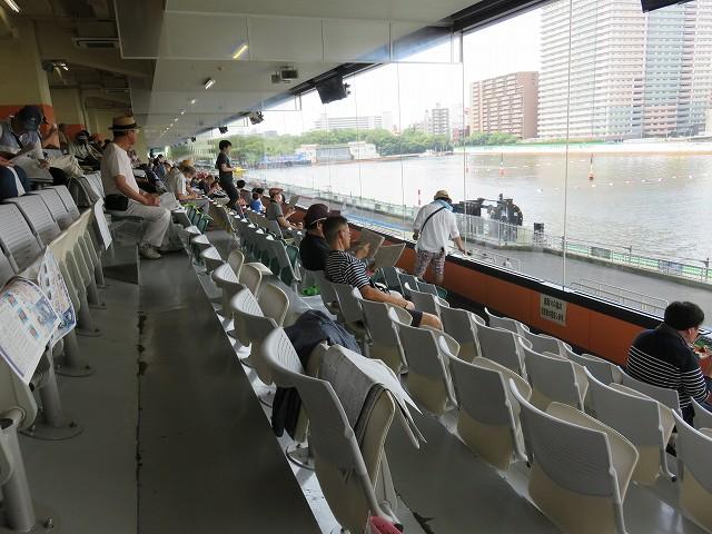 平和島競艇場3階の一般席