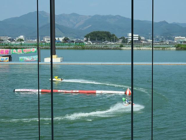 桐生競艇場2階プライベートシートからの眺め