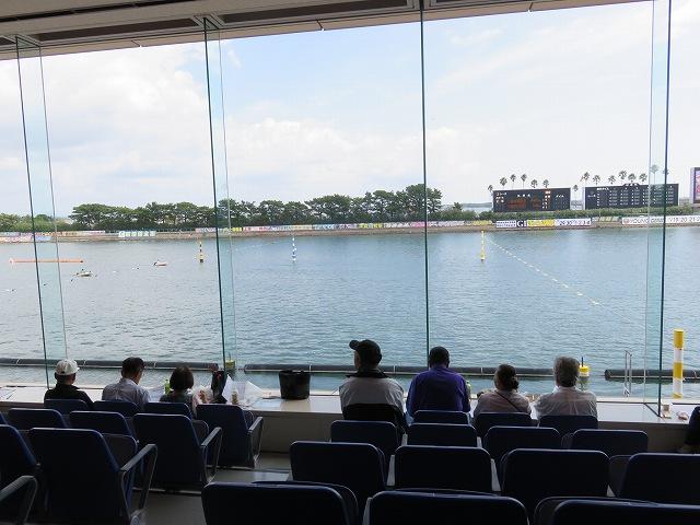 浜名湖競艇場の2階スタンド