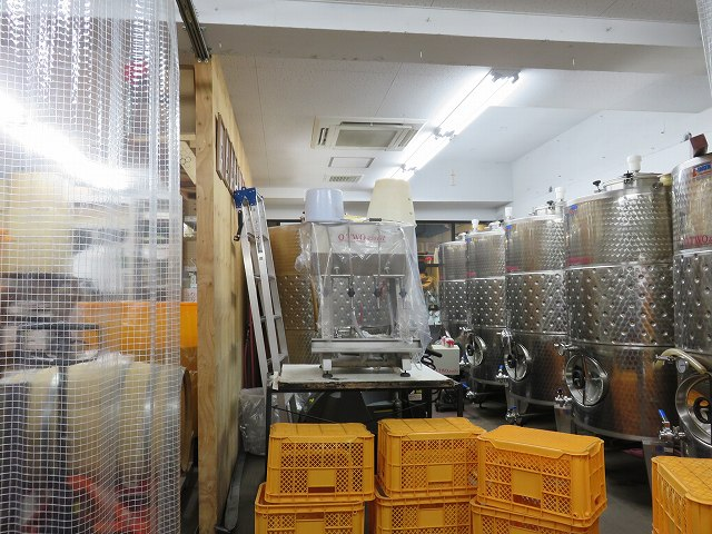 深川ワイナリーの醸造スペース