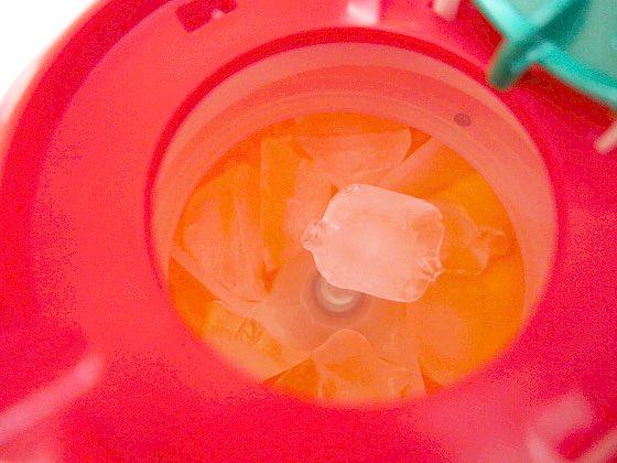 アイスロボ3の角氷投入部