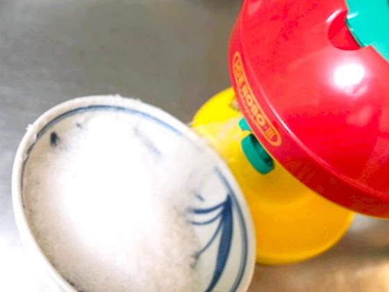 アイスロボ3でかき氷を作るところ