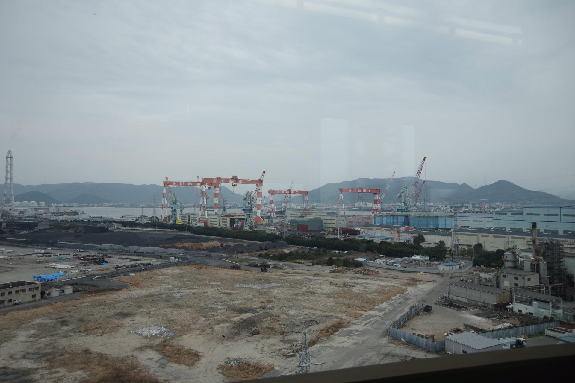 川崎重工の造船所
