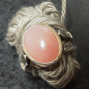 ピンクオパールの指輪
