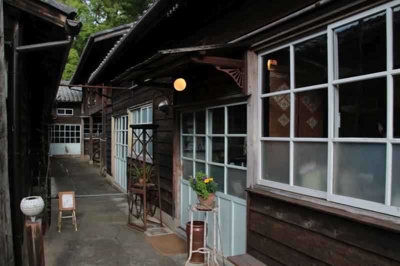 カフェ 工場跡事務室