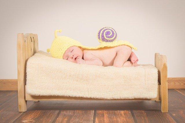 添い寝 赤ちゃん 依存
