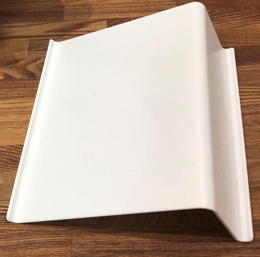 IKEAのタブレットスタンドを使用