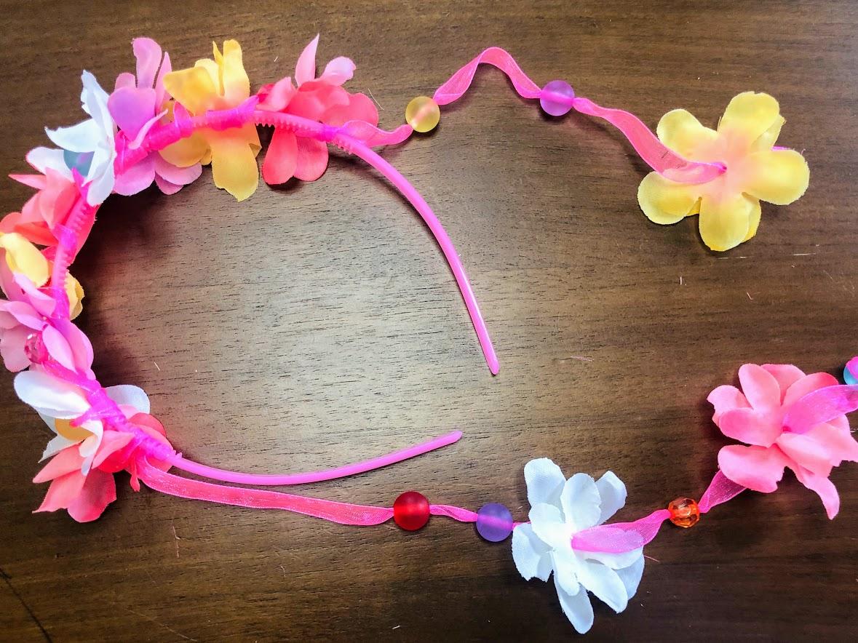 ラプンツェル風ドレスに合わせて、手作りした花カチューシャ